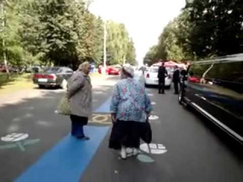 Прикольные анекдоты про бабушек - старушек.