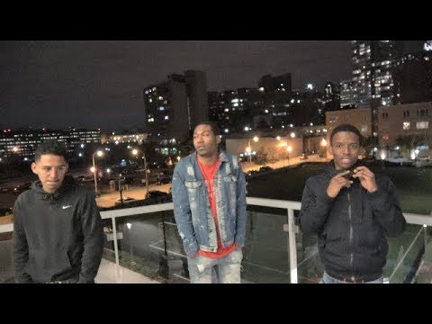 CHICAGO STREETS AT NIGHT / LOCAL RAP ARTIST RICO G