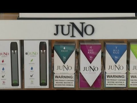 Students ask commissioners for new e-cig laws