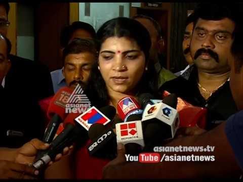 Cross examine Oommen Chandy | Saritha S Nair Press Meet