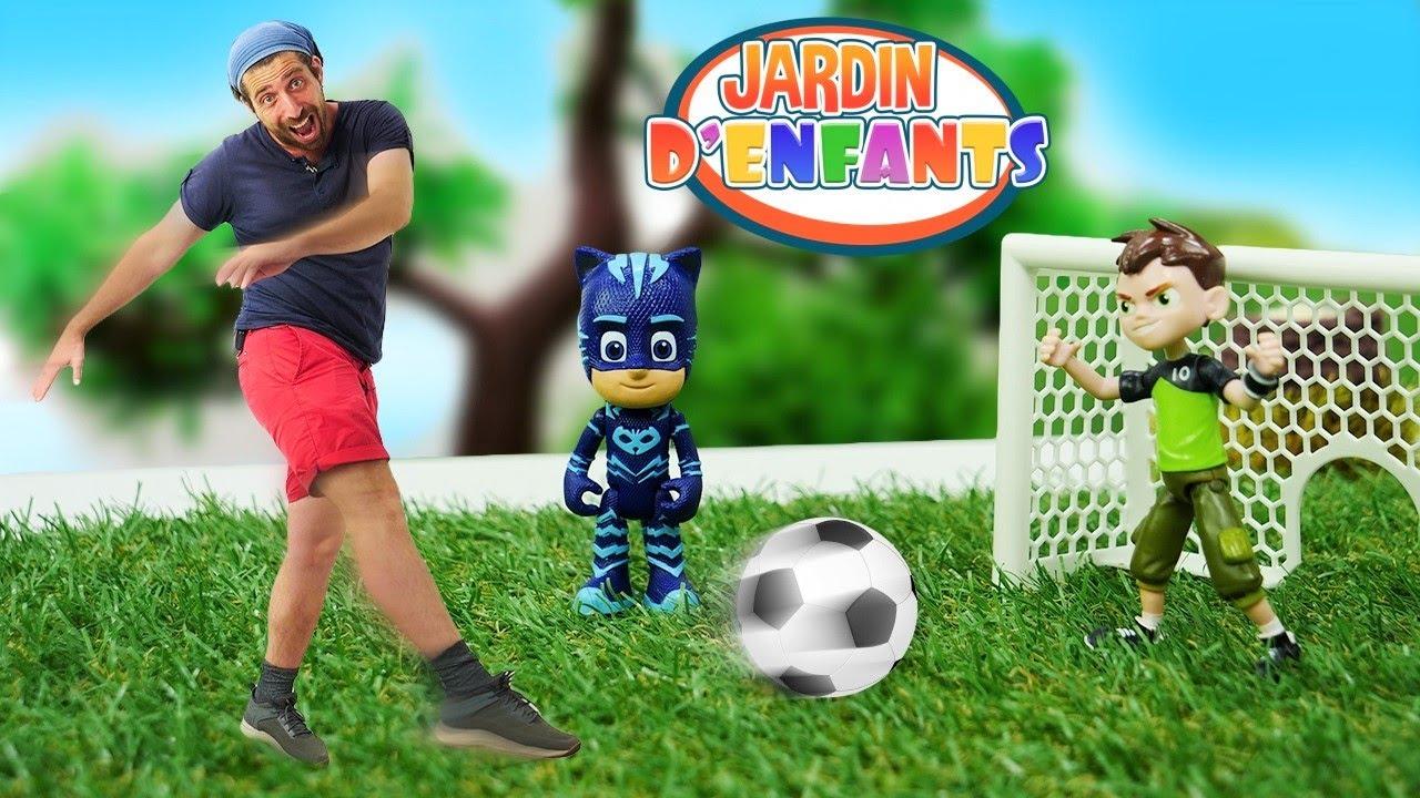 Vidéo en français du Jardin d'enfants #97. Ben 10, les Pyjamasques et leurs amis jouent au football