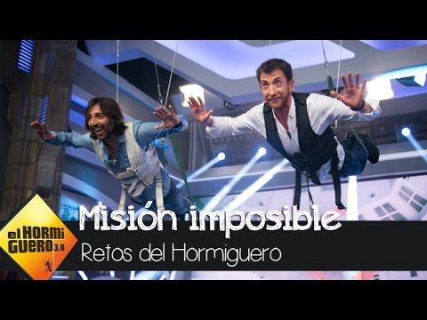 Pablo Motos y Antonio Carmona tocan 'Misión imposible' suspendidos en el aire - El Hormiguero 3.0