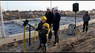Woningbouw  De Haven  (17) Wethouder Bal start bouw  Botter  / Spijkenisse 2019
