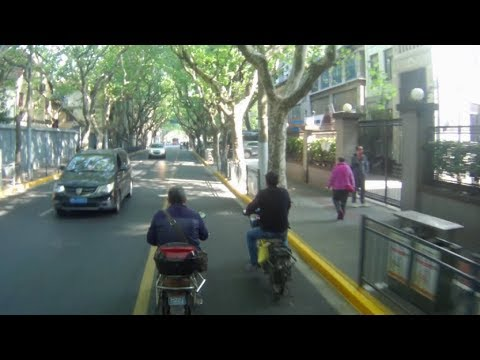 Monkeybusiness - Scooter ride through Shanghai City