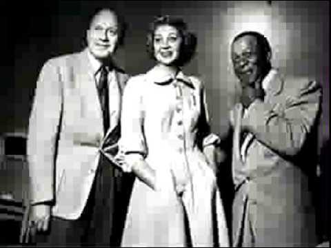 Download Jack Benny radio show 4/15/51 The IRS Visits Jack