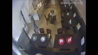 Jak se krade aneb neznámí muži v akci v olomoucké restauraci