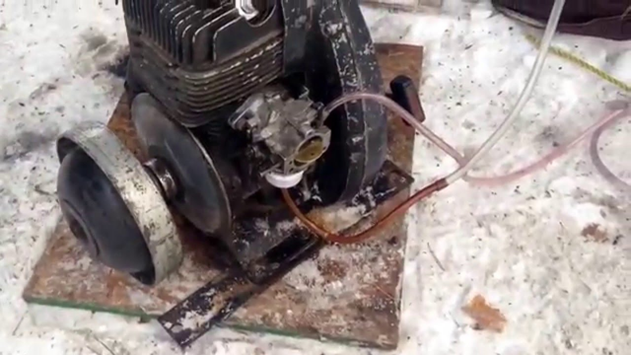 old skidoo motor running on the ground 335 one lunger youtube rh youtube com Rotax Engine Design 787 Rotax Engine Diagram