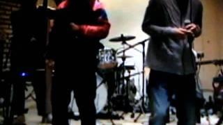 2011.10.28にUSTREAMで生放送された映像。 新曲「サンシャイン」を初披...