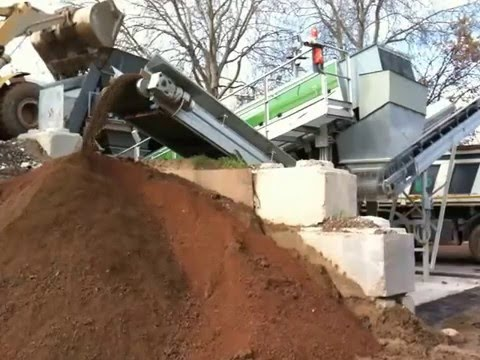 03 - Recycling soil and stones - ECOSTAR dynamic screening system