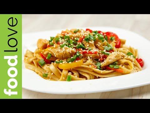 Как приготовить лапшу вок с курицей и овощами