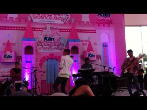 LYLA - KAMU CANTIK KAMU BAIK (Summarecon Mall Bekasi-15 Maret 2015)