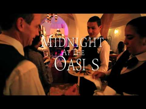 Rick's Café Casablanca - Midnight At The Oasis