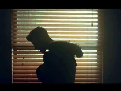 Trailer do filme Tudo que é Bom Dura Pouco