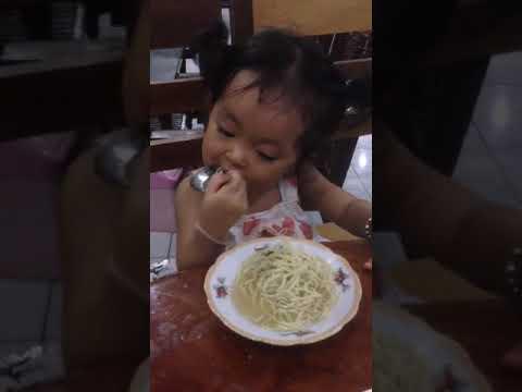 Funny baby eat noodle р╣Ар╕Фр╣Зр╕Бр╣Ар╕ер╣Зр╕Бр╕Бр╕┤р╕Щр╕Ър╕░р╕лр╕бр╕╡р╣Ир╕ор╕▓р╕бр╕▓р╕Б р║Щр╗Нр╗Йр║▓р╗Гр║кр║Бр║┤р║Щр╗Ар║кр║▒р╗Йр║Щр╗Эр║╡р╗Ир╗Ар║Ыр║▒р║Щр║Хр║▓р║лр║╗р║зр║лр║╝р║▓р║Н