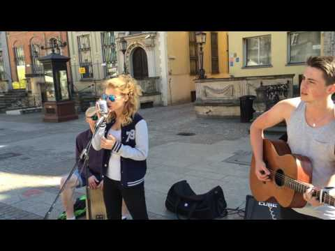This Is the Life - Amy MacDonald - Divergent. Acoustic Cover