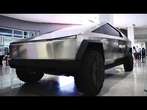 Tesla Cybertruck FIRST Close Up Look Petersen Automotive Museum – Jay Leno Version