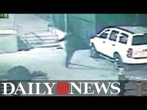 Cops looking for suspects in Bronx shooting