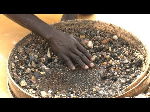 No sparkle in Sierra Leone diamond town
