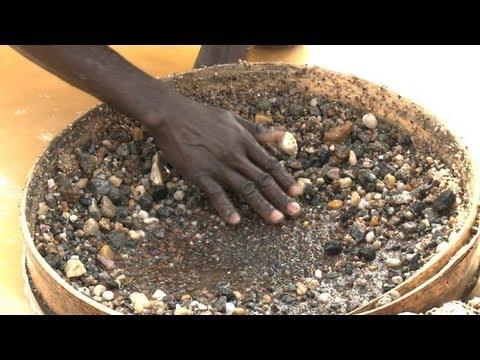 No sparkle in Sierra Leone diamond town