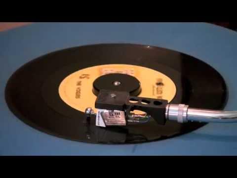 The Vogues  Five O'Clock World  45 RPM Original Mono Mix