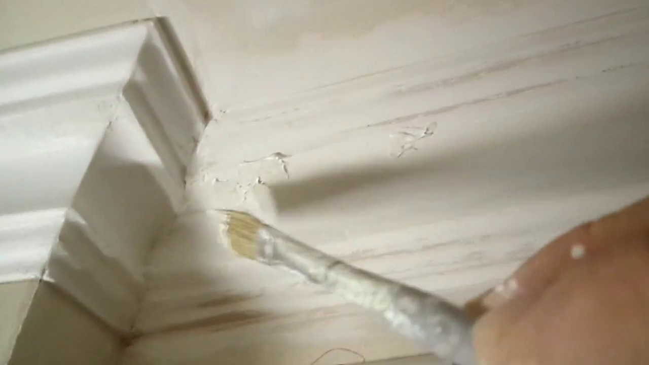 Монтаж полиуретанового карниза / плинтуса - YouTube