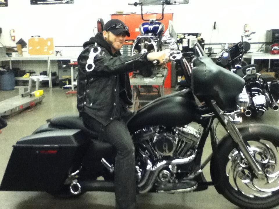 Brantley Gilbert S Custom Fat Bagger Motorcycle Is Ready