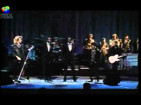 Everytime You Go Away - Hall & Oates, David Ruffin, Eddie Kendrick Live at The Apollo.wmv