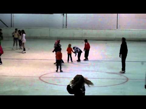Dono à son cours de patinage