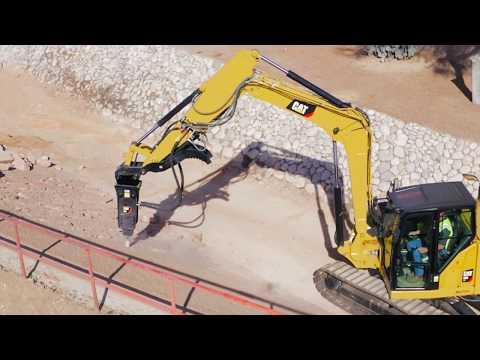 Cat® B8 Hammer At Work