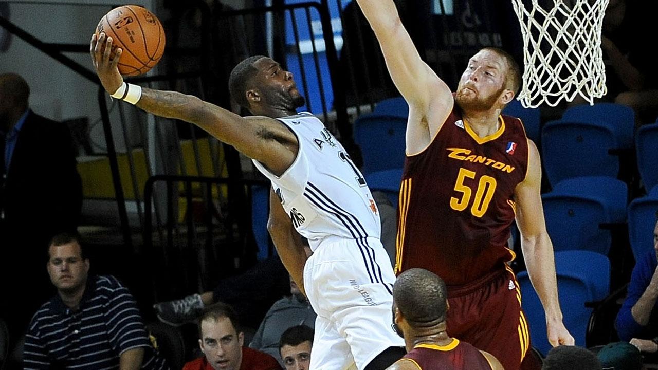 ac473f107515 Jonathon Simmons  Rise from Austin to San Antonio Spurs! - YouTube