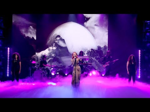 "Zara Larsson - ""Invisible"" Performance"