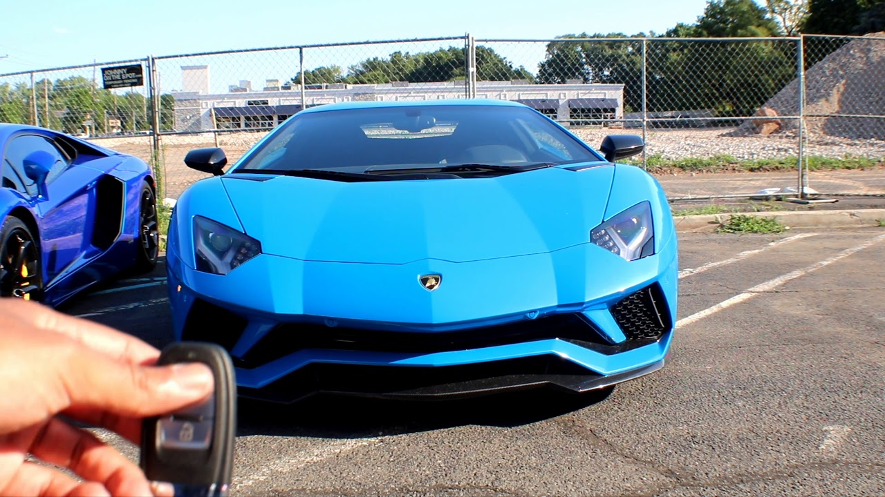 7b7e0ab0284 Blue Lamborghini Aventador S - Startup
