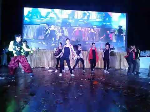 Saniya mirza ke Nathuniya jaan marela (zabardast dance)