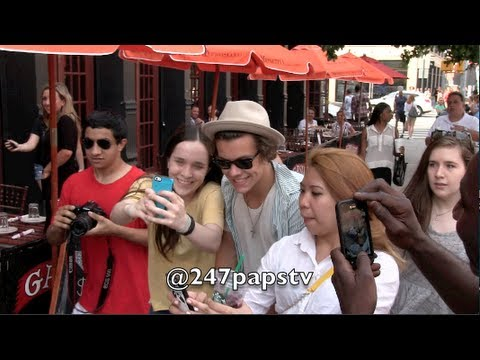 Harry Styles strolling through the Meat Packing District in NYC (06-27-13)