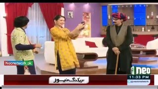 Sajan Abbas And Selfie Girl Funny  Scene In Sawa Teen  Comedy Show With Iftikhar Thakur - Neo News