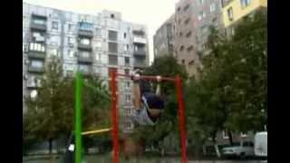 Street Workout в Макеевке, Донецкая область(Street Workout моего города, молодцы парни! globemlm.com - заходите, регистрируйтесь, новости! ссылки на администрацию:..., 2013-11-15T17:09:05.000Z)