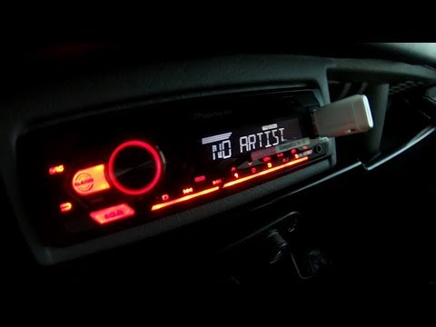 D.I.Y. – Land Rover Defender 300Tdi Radio Sound System Install (no plugs available)