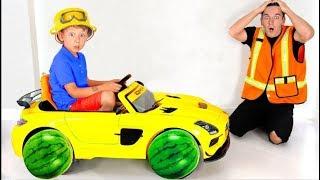 سينيا وأبي يقومون بإصلاح السيارات المكسورة القصص القصيرة للأطفال