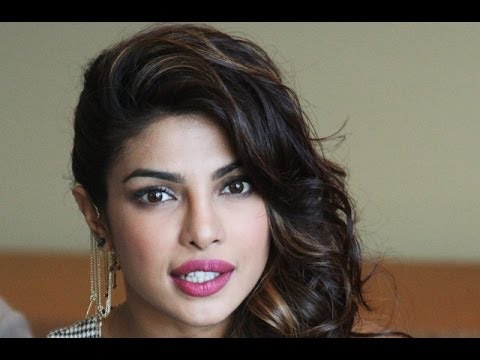 Priyanka Chopra and Gunday Stars thrill Dubai fans - YouTube