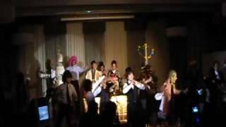 結婚式の余興でみんなに踊ってもらったダンス サイコーに楽しかった.