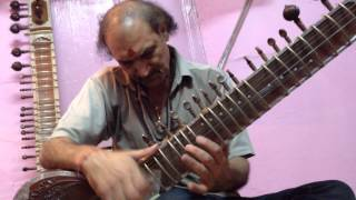 Sitar demo, Shiva Musical House, Varanasi, India