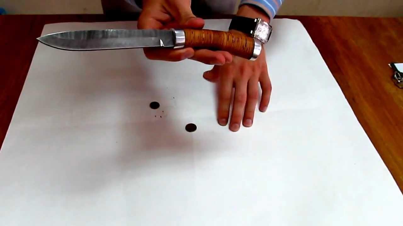 Булатная сталь издавна применяется для изготовления клинков ножей и сабель и другого оружия. Ножи из булатной стали обладают не только большой твердостью но и вязкостью металла, что позволяет клинку из булата долго оставаться острым и держать силовые нагрузки. Булатные ножи практически.