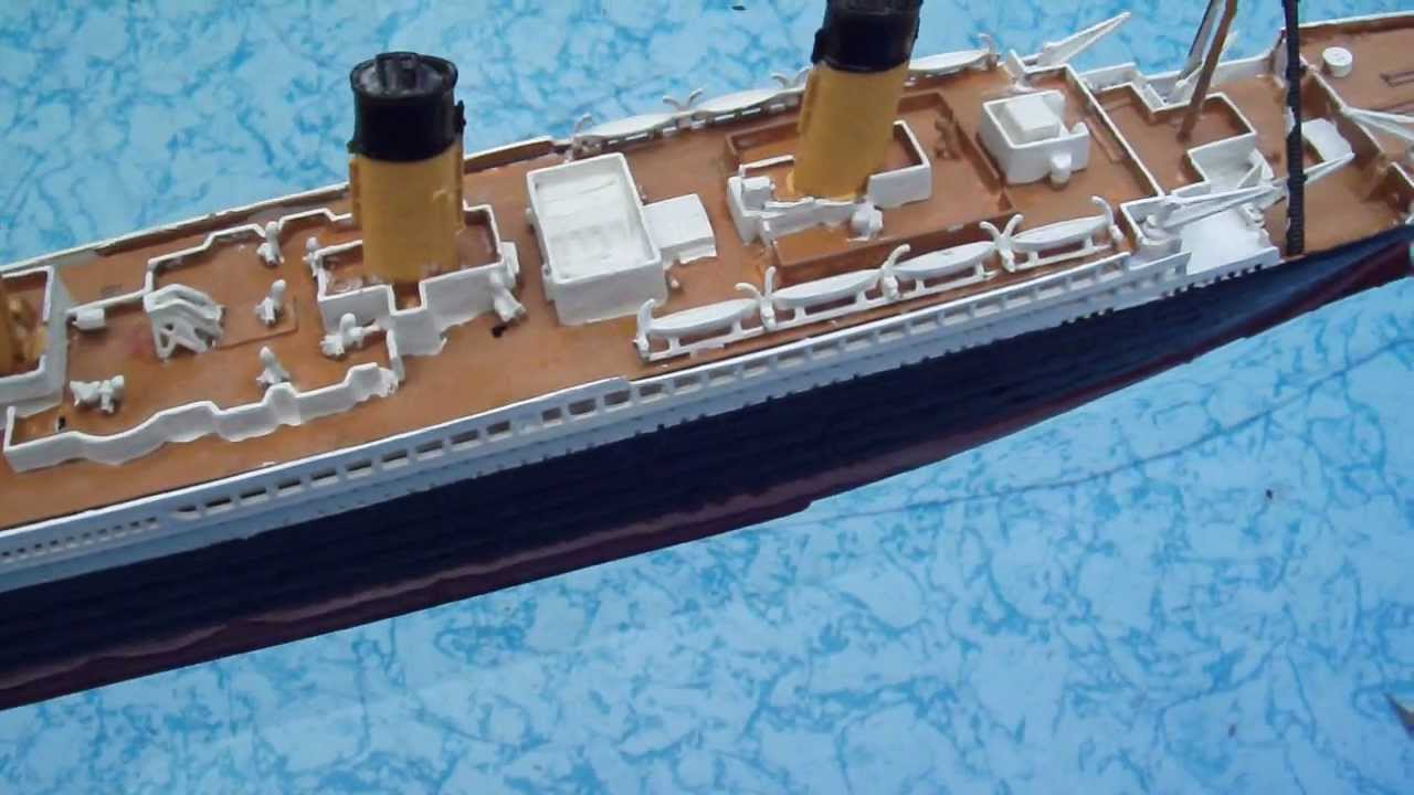 Titanic model floating in big pool youtube - Was the titanic filmed in a swimming pool ...