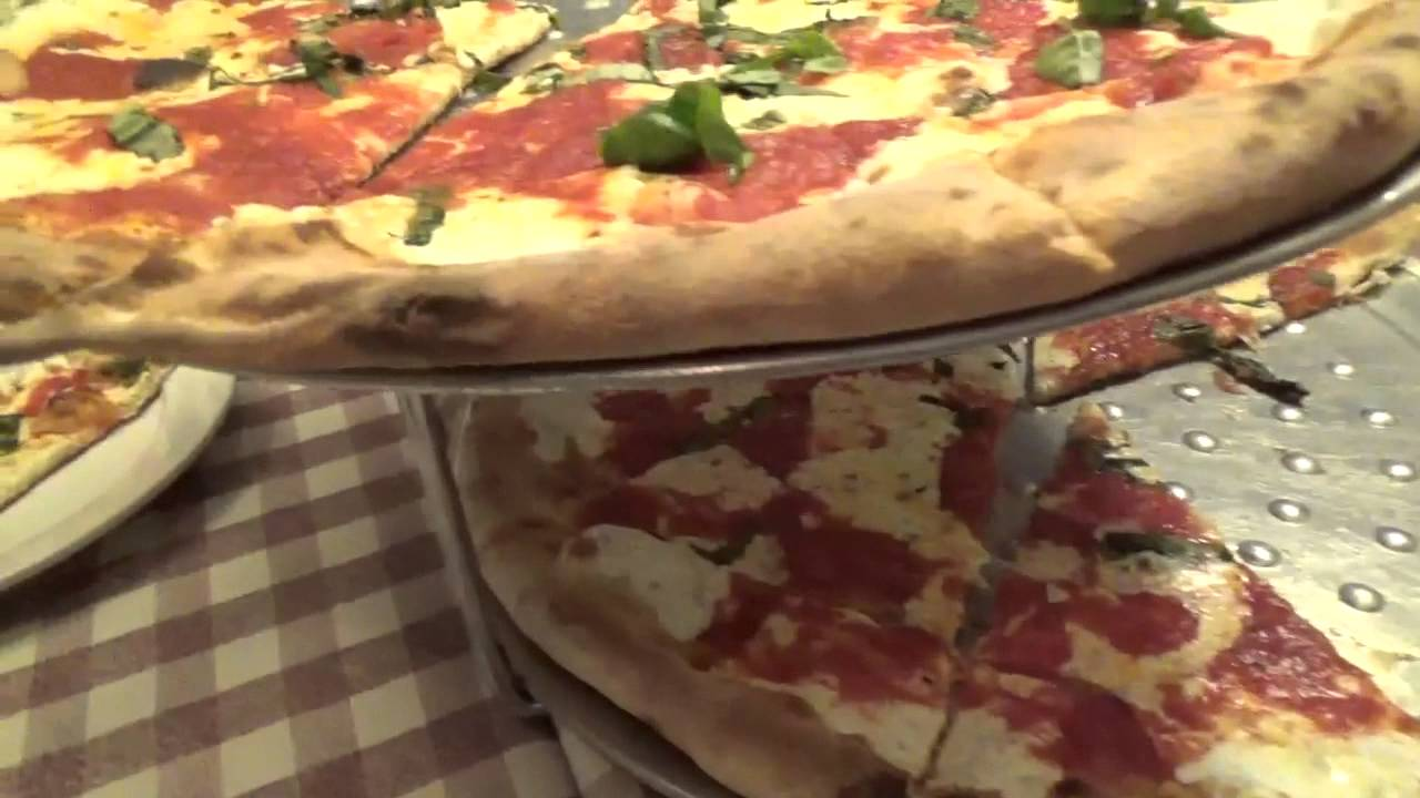 Peppino S Pizza: Brooklyn Pizza At Peppino's' With Chris And Lisa