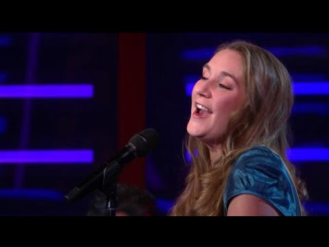 EXTRA: Katell Chevalier - Emmenez-moi - RTL LATE NIGHT MET TWAN HUYS