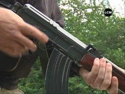 L'AK-47, une arme trop facilement accessible? (Marseille)