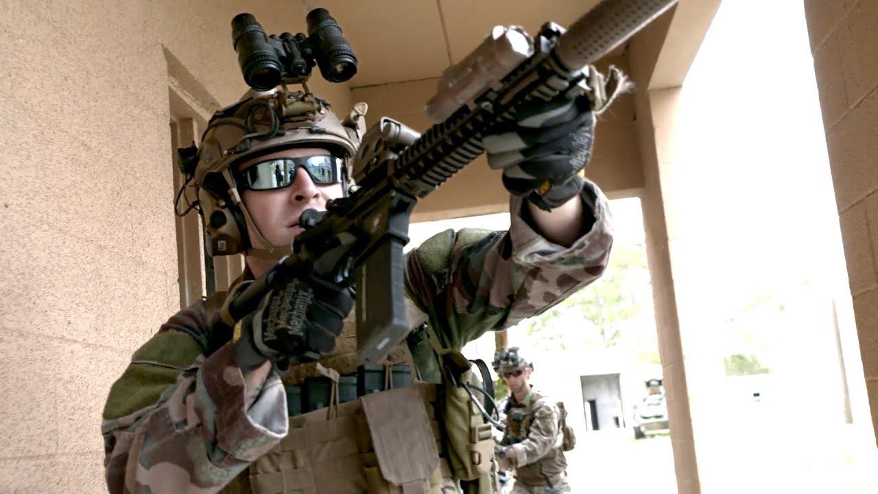 Navy Special Amphibious Reconnaissance Corpsman – SARC