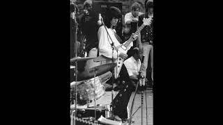 アーティスト:ザ・ローリング・ストーンズ 曲名:Gimme Shelter(ギミー・シェルター) 収録アルバム:レット・イット・ブリード(1969年) ギター...