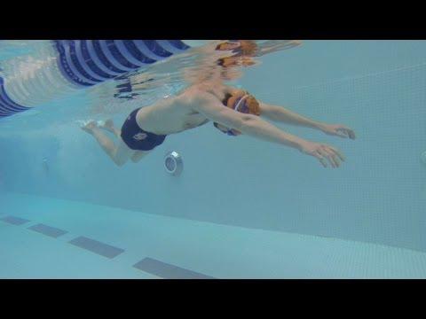 Cách đạp nước trong kiểu bơi bướm