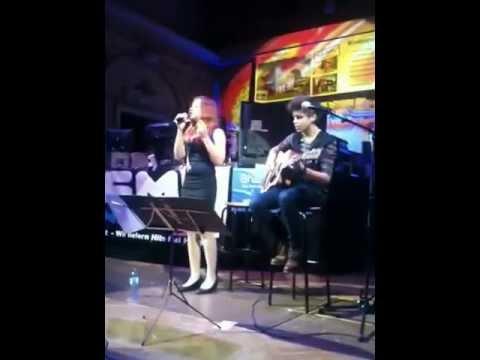 Jessie J - Price Tag by Chiara K. & Michael O.- Live Concert (Cover)